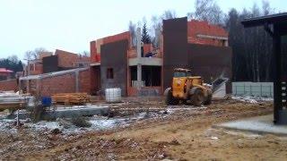 Телескопический погрузчик(Работа телескопического погрузчика на строительстве коттеджного поселка. http://kvmrent.ru/arenda-teleskopicheskogo-pogruzchika.html., 2014-11-25T17:29:54.000Z)