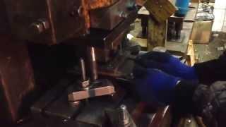 видео Изготовление кронштейна фасадного
