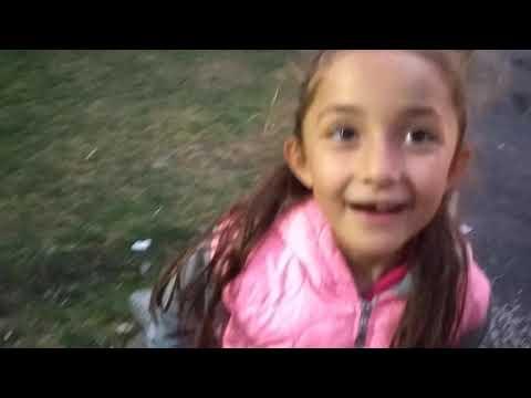 Fırıldak Kuzenler Parkta Yer Bulmaca Oynuyor!! Eğlenceli çocuk Videosu