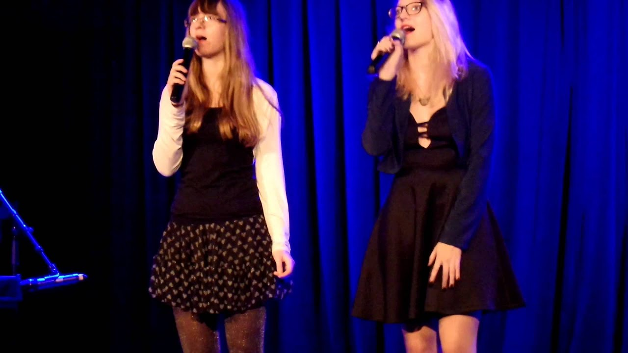 La seine - Vanessa Paradis et M Cover (live) - YouTube