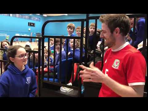 FAW Trust Video - Wales deaf futsal star Harry Allen signs with deaf school girl