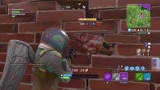 GNOME STUCK IN WALL GLITCH [FORTNITE BATTLE ROYALE]