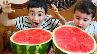 Celina and Hasouna eats Watermelon - سيلينا وحسونة البطيخ