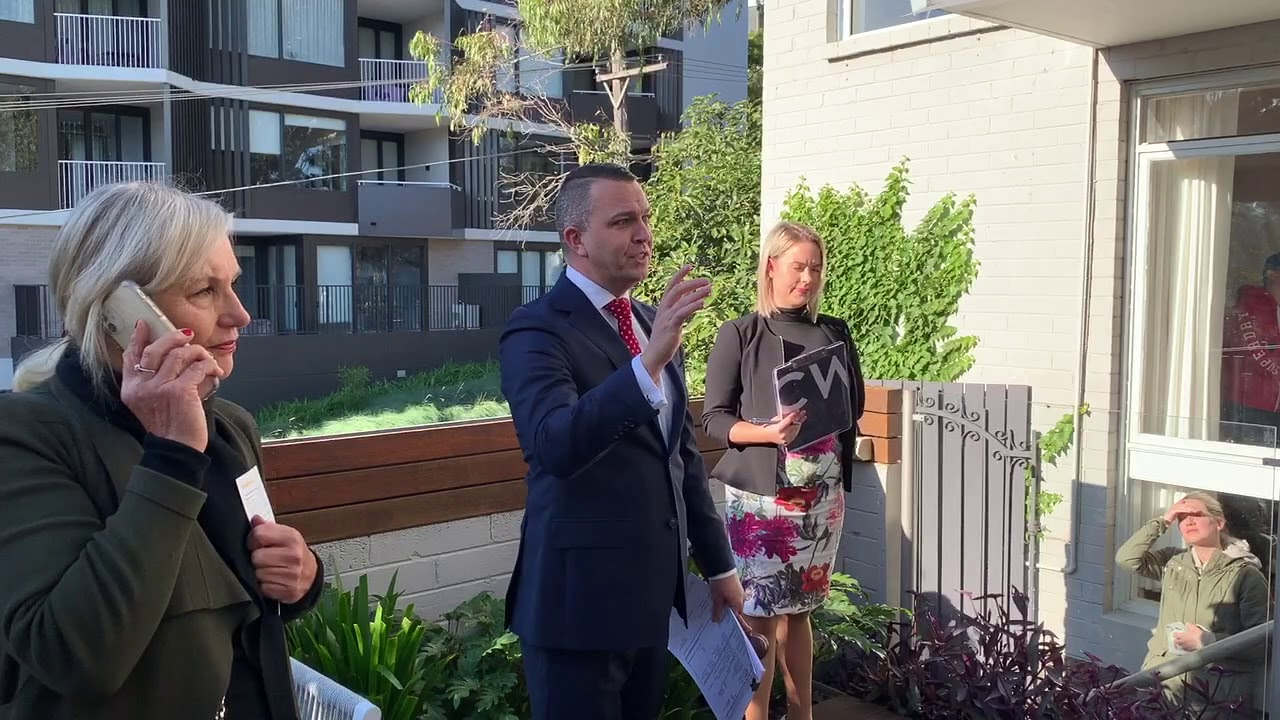 Levity in Lane Cove as townhouse sells at auction