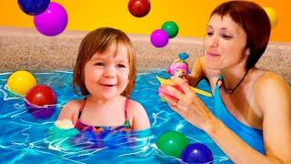 Фото Маша Капуки и Бьянка в бассейне - Учимся плавать - Шоу для детей Привет Бьянка
