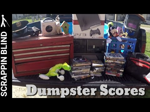 Dumpster Diving  Found All This In The Trash!!!