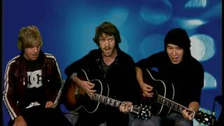 Elliot Minor do an acoustic of Solaris for ITN