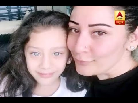 Check out Manyata Dutt's picture with her daughter