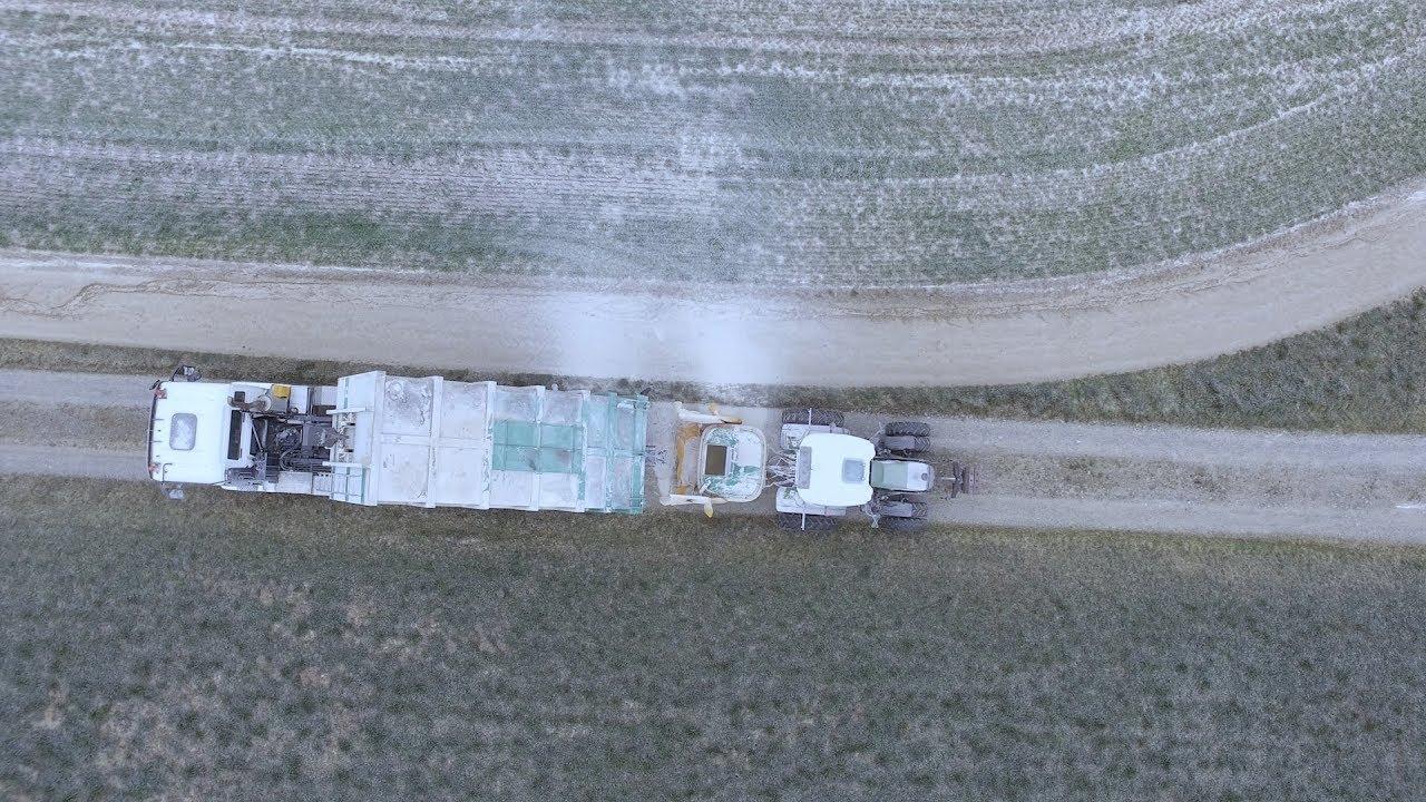 Bolliger Agrar Dienste Boden Kalken Youtube