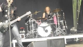 Apulanta - Ravistettava ennen käyttöä live @Pioneerifestivaali 10.7.2015