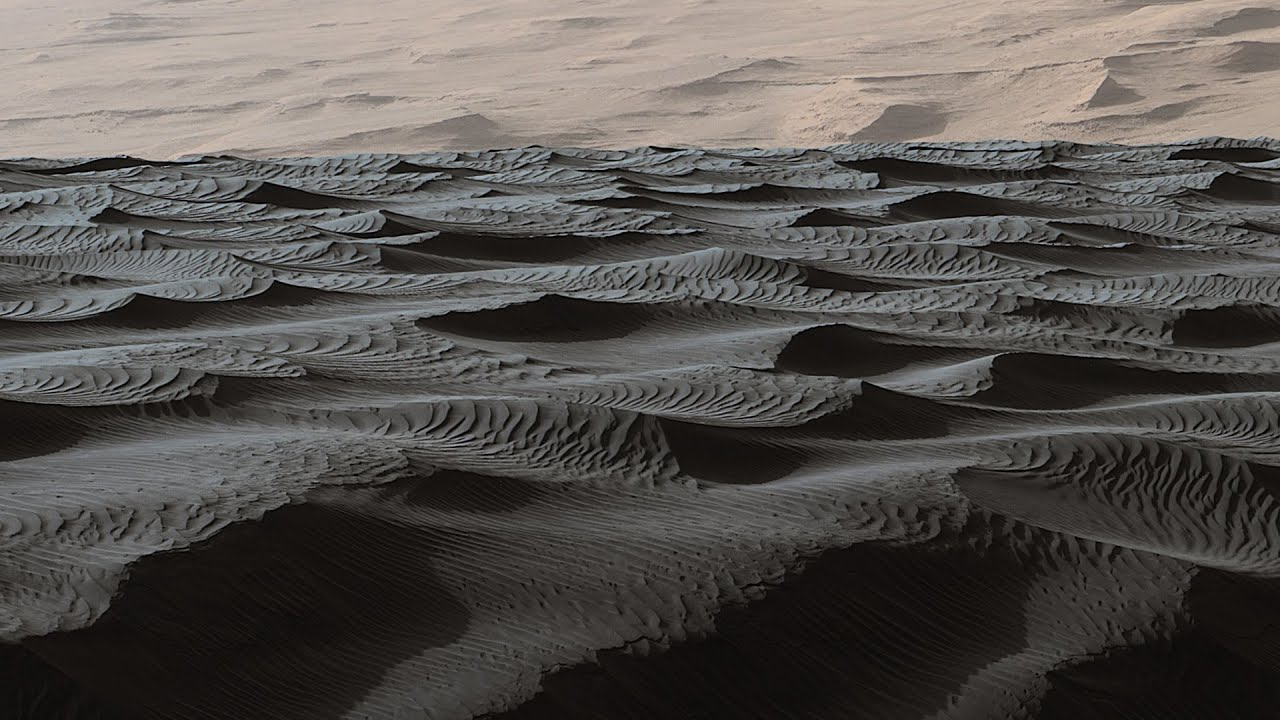 Som ET - 52 - Mars - Two Sizes of Ripples on Surface of Martian Sand Dune
