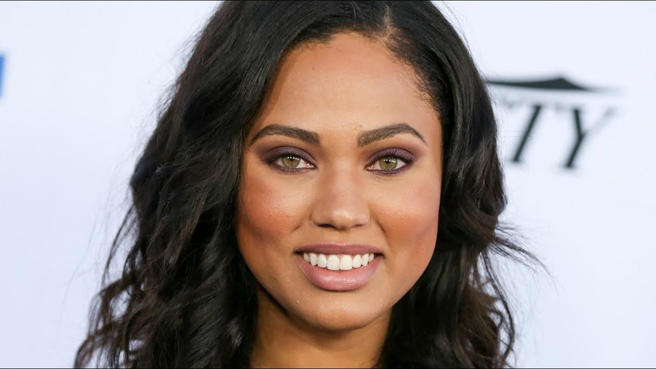 Ayesha Curry Shows Off Fit Figure With Fierce Bikini Pics Taken by ...