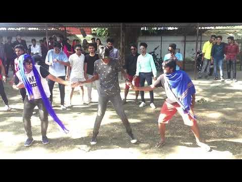 Flash mob at Cochin college💙തട്ടിലെപിളേള൪ #ksu1styears #freshersday2k18