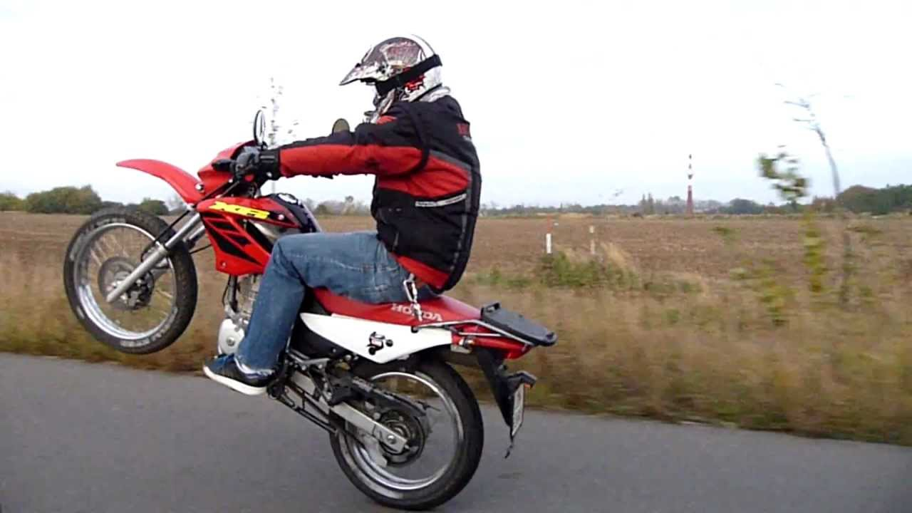 honda xr 125 wheelie by cufi youtube. Black Bedroom Furniture Sets. Home Design Ideas
