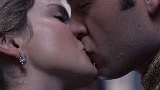 A Christmas Prince: The Royal Wedding 2018 - Richard and Amber are kissing