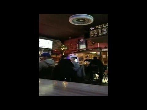 Video: Bill Dix kissing woman in Des Moines bar