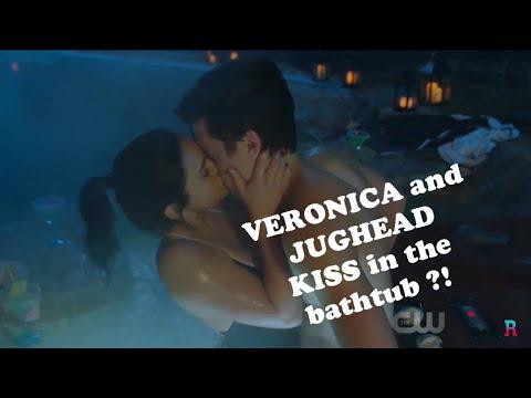 VUGHEAD KISS - Riverdale 2x14