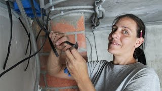 видео Электрика в квартире своими руками