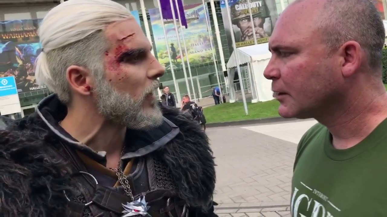 Witcher Geralt Cosplayer Trolled By Voice Actor