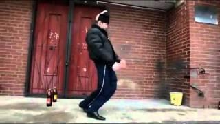 Verrückter Russe tanzt