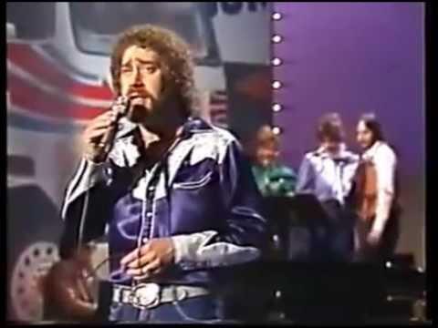 EARL THOMAS CONLEY-- Smokey Mountain Memories (Live)