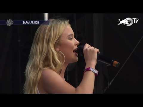 Zara Larsson - I Can't Fall In Love Without You (Live at Lollapalooza Chicago 2017)