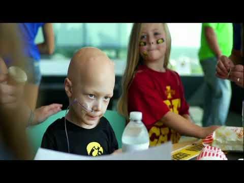 Iowa Hawkeyes wave story on ESPN College Gameday - 30 Sept 2017