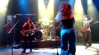 N.O.H.A. - Tu Cafe (live @ Praha 8-11-11)
