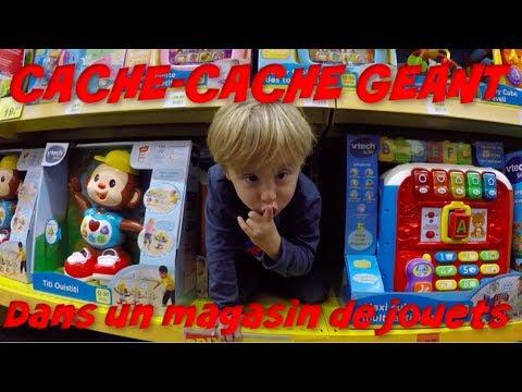 CACHE CACHE GEANT DANS UN MAGASIN DE JOUETS !!!