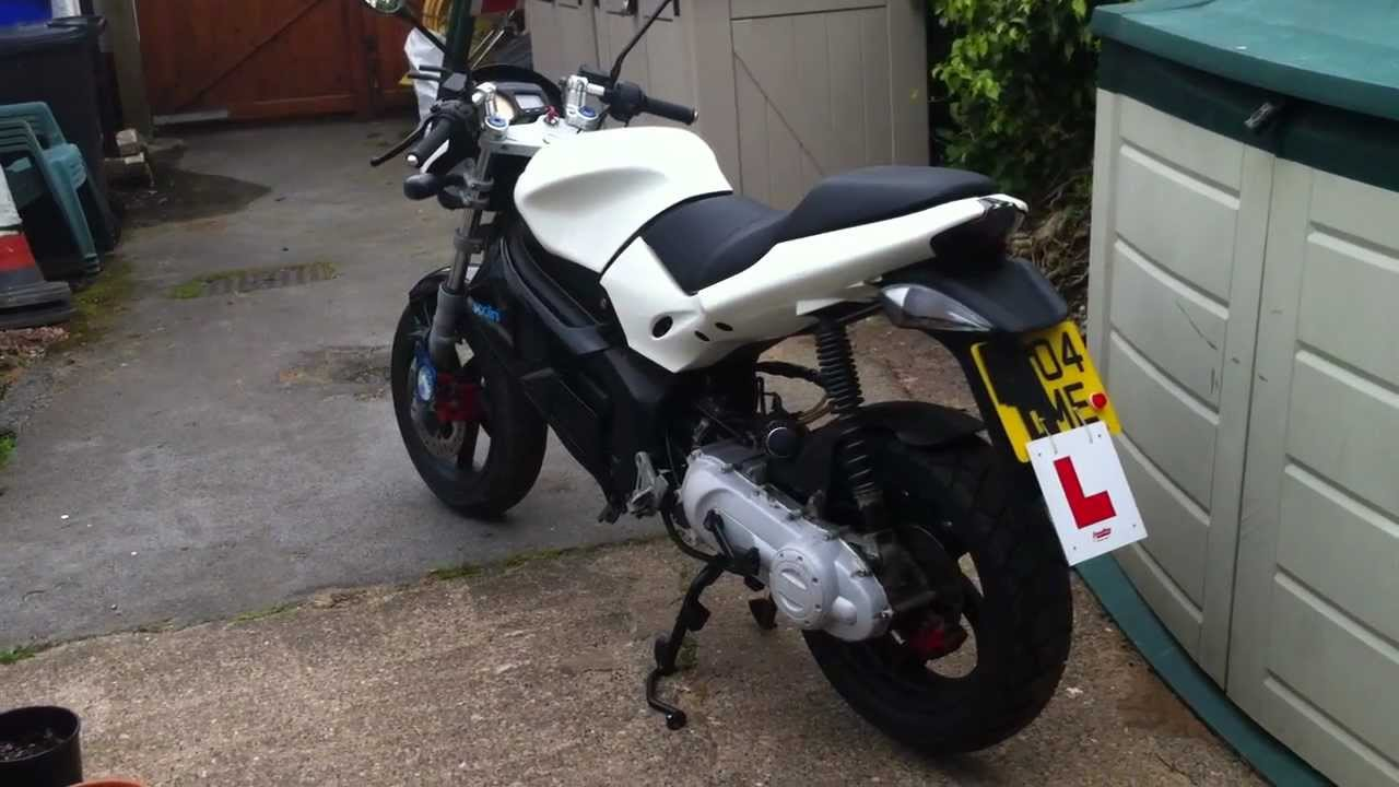 gilera dna 50cc gloss white top speed 58 mph modified tuned youtube. Black Bedroom Furniture Sets. Home Design Ideas