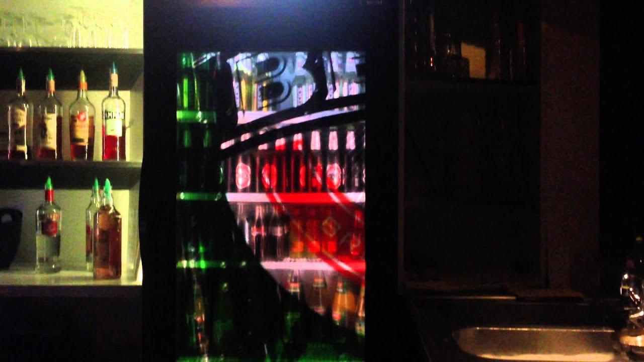 LCD Kühlschrank im Matrix - Berlin. Durchsichtiger TFT Screen ...
