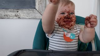 Baixar Baby Indie eats nutella.... Parent fail