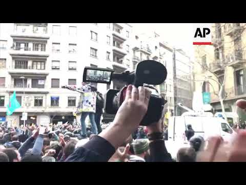 More clashes between Cataln protesters and police in Barcelona