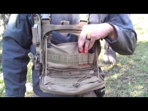 BackPacking Chest Rig, Condor MCR3 + Utility Pouch MA54 And A Few Knives