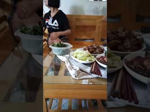Bữa cơm gặp mặt/Hung Hung