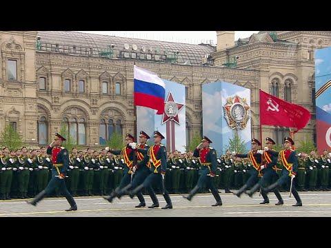 В России началась подготовка к парадам в честь 75-летия Великой Победы.