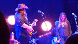 Morgane Stapleton, along side Chris Stapleton cries, overwhelmed by crowd singing along to Traveller