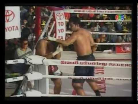 Muay Boran Fight in Bangkok(no gloves)Old School Muay Thai