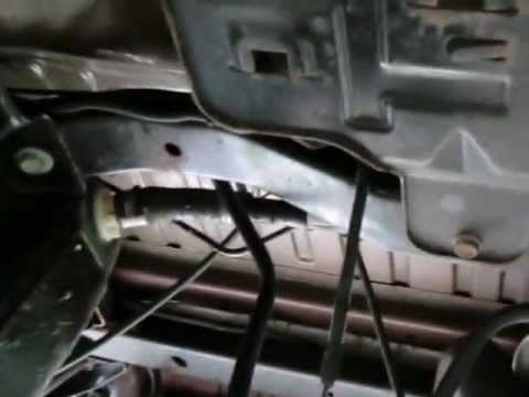 How to Change a Vapor Canister on a 2009 Jeep Wrangler X