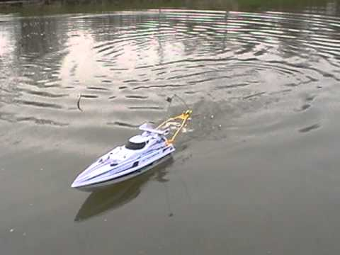 The rc fishing boat the radio ranger youtube for Rc boat fishing