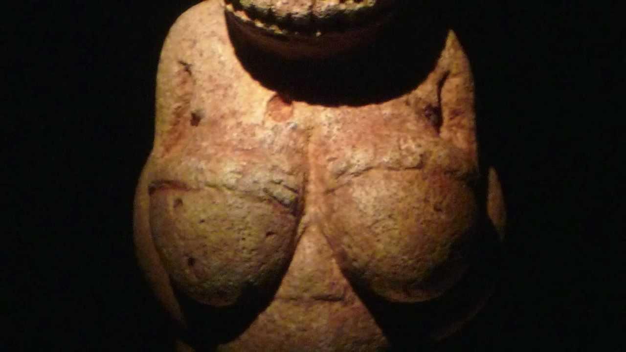 Naked women on venus are