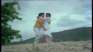 Azhaghyiya Nilavidhu HD Song