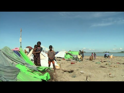 Hunger and poverty trap Rohingya trying to flee Myanmar