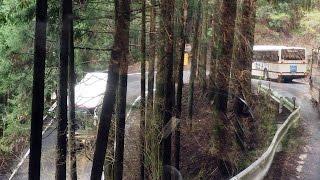◆必見!! 九十九折れの花背峠を京都バス7台が駆け下りるっ [前面展望]