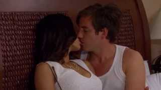 La Vecina - Sara impacta a Antonio con su belleza