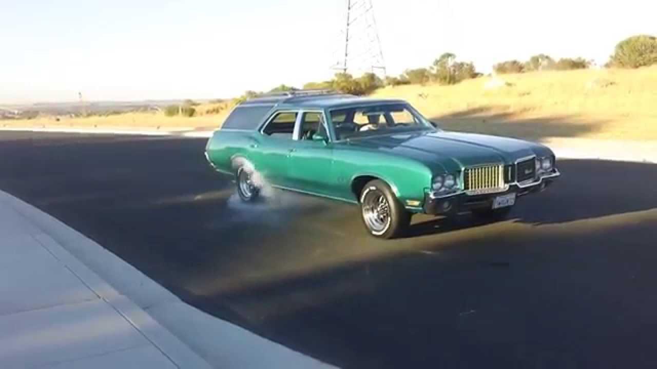 1972 Oldsmobile Vista Cruiser Burnout Youtube