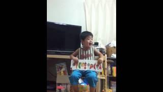 はらぺこあおむしを歌う龍ちゃん 保育所の先生の真似っこしてます!