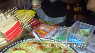 Steamed Yaowaraj Fish Balls With Hot Thai Lemon Sauce