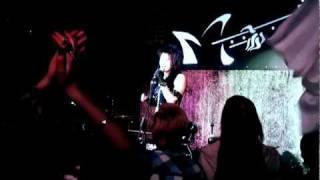 Elya Chavez - Vinovata Sama (Live in Moscow, V Osade show, 29-Oct-2011) 【HD】
