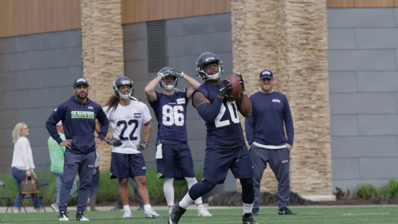 online retailer 52e67 d0ee0 First Look at Rashaad Penny During Seahawks Rookie Minicamp